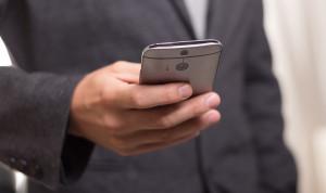 Опрос: Граждане США в целом готовы общаться с госслужбами через мобильные устройства