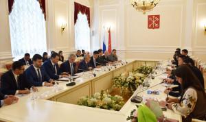 Кадровая политика Петербурга заинтересовала госслужащих провинции Хайнань